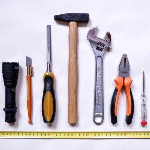 Baumaschinen & Werkzeuge